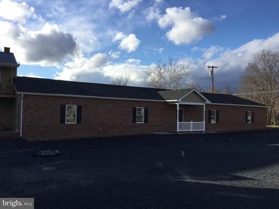 Residential Lease, Unit/Flat - STRASBURG, VA