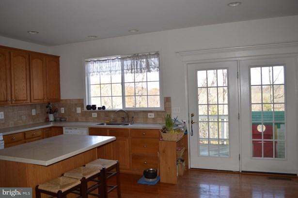 Single Family Residence, Colonial - STEPHENSON, VA (photo 5)