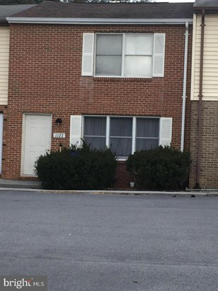 Colonial, Interior Row/Townhouse - WOODSTOCK, VA