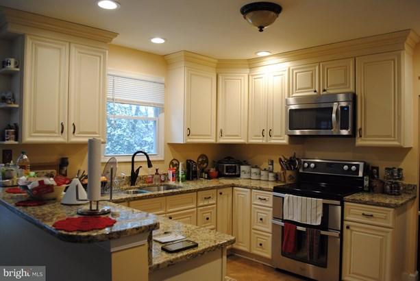Single Family Residence, Colonial - MIDLAND, VA (photo 5)