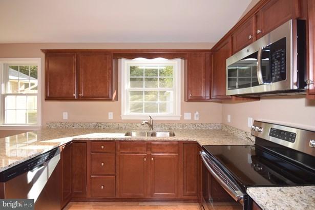 Rancher, Single Family Residence - STRASBURG, VA (photo 2)