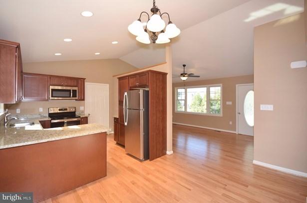 Rancher, Single Family Residence - STRASBURG, VA (photo 3)