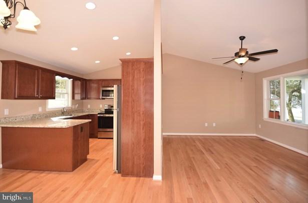 Rancher, Single Family Residence - STRASBURG, VA (photo 4)