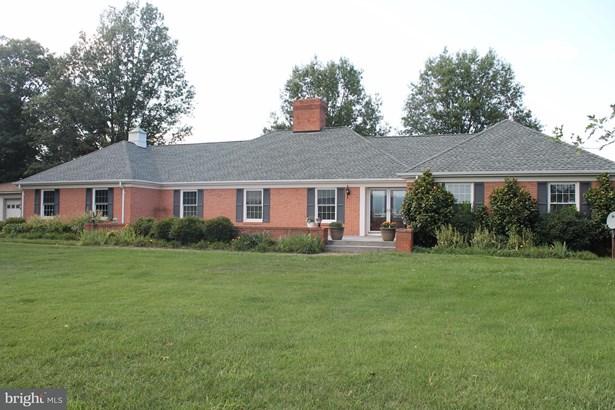 Rancher, Single Family Residence - STRASBURG, VA (photo 1)