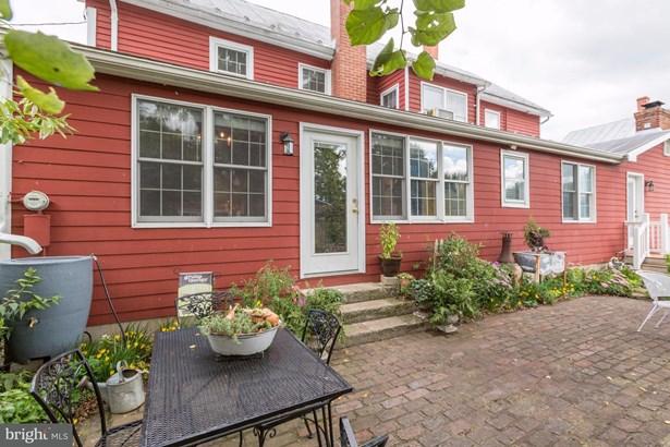 Single Family Residence, Colonial - STRASBURG, VA (photo 3)