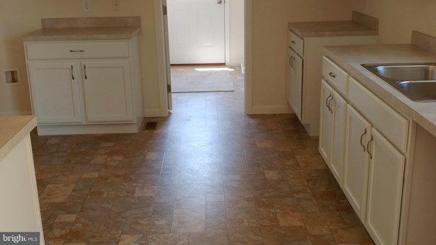 Rancher, Single Family Residence - FRONT ROYAL, VA (photo 5)