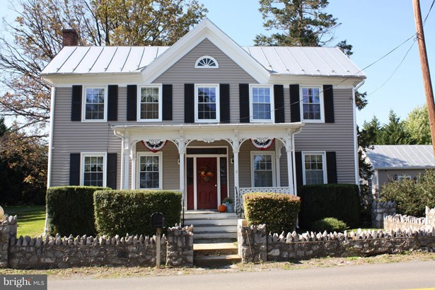 Single Family Residence, Colonial - TOMS BROOK, VA (photo 1)