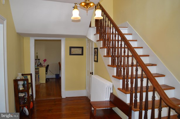 Single Family Residence, Colonial - TOMS BROOK, VA (photo 5)