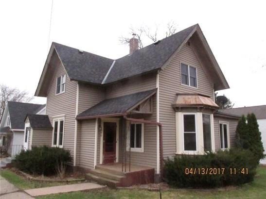 680 Maple St, Baldwin, WI - USA (photo 1)