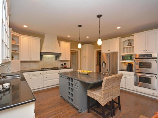 620 Norell Avenue N, Oak Park Heights, MN - USA (photo 5)