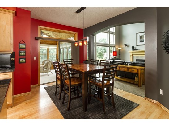 4631 Pinetree Curve, Eagan, MN - USA (photo 2)
