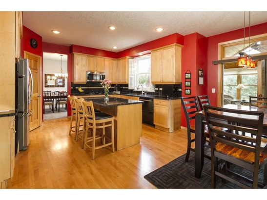 4631 Pinetree Curve, Eagan, MN - USA (photo 4)