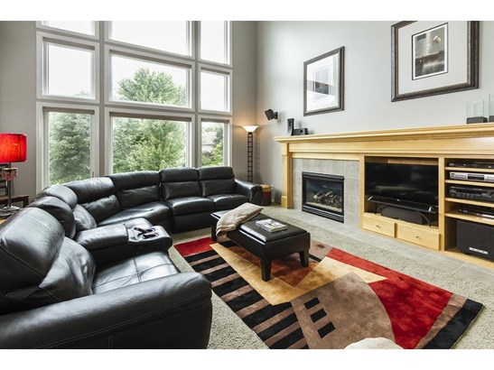 4631 Pinetree Curve, Eagan, MN - USA (photo 5)