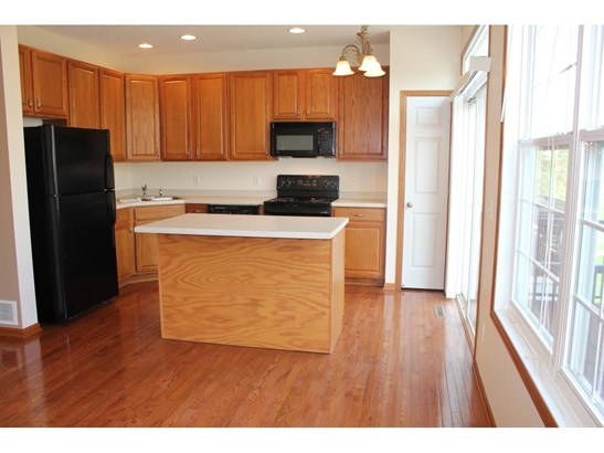 4715 Woodland Avenue, Shakopee, MN - USA (photo 3)