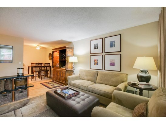 520 Ridgewood Avenue #3, Minneapolis, MN - USA (photo 4)