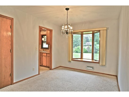 8496 Grospoint Avenue S, Cottage Grove, MN - USA (photo 5)