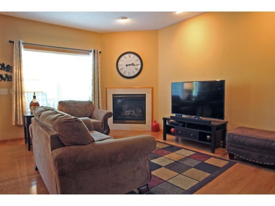 7515 5th Street N, Oakdale, MN - USA (photo 4)