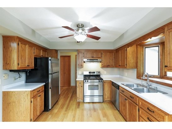 13504 W Preserve Boulevard, Burnsville, MN - USA (photo 3)