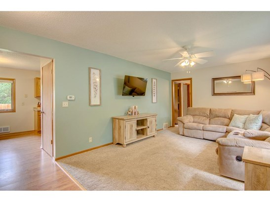 8876 Indahl Avenue S, Cottage Grove, MN - USA (photo 4)
