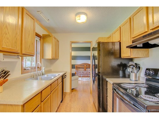8876 Indahl Avenue S, Cottage Grove, MN - USA (photo 5)