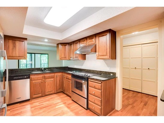 6051 Laurel Avenue #109, Golden Valley, MN - USA (photo 2)