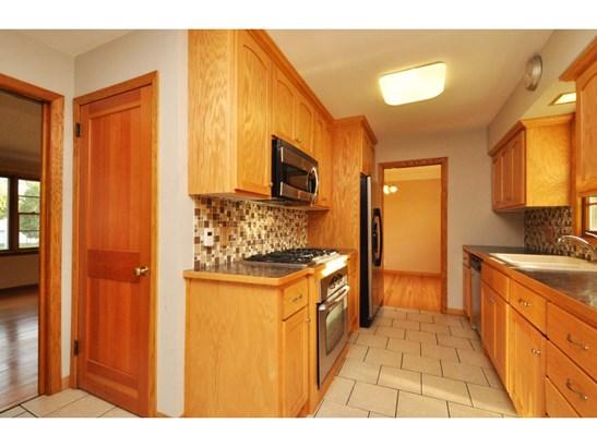 1076 Chippewa Avenue, Mendota Heights, MN - USA (photo 4)
