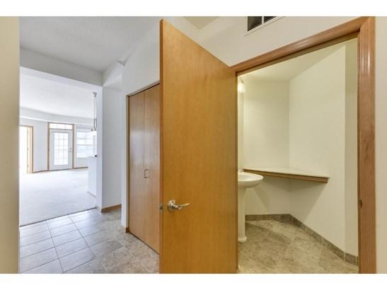 2550 38th Avenue Ne #314, St. Anthony, MN - USA (photo 3)