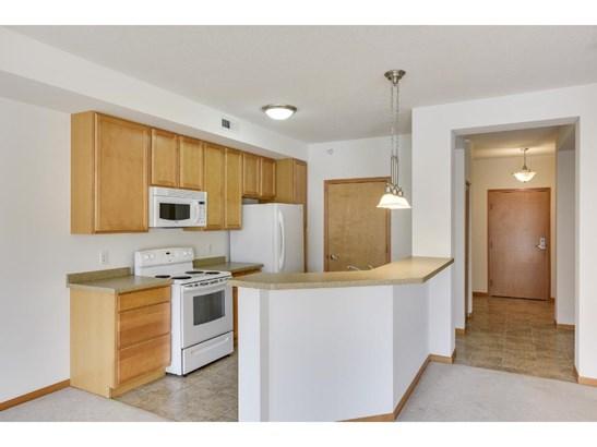 2550 38th Avenue Ne #314, St. Anthony, MN - USA (photo 5)