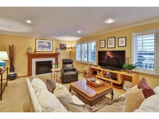 1240 Countryview Circle, Maplewood, MN - USA (photo 2)