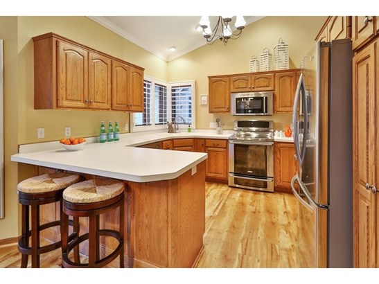 1240 Countryview Circle, Maplewood, MN - USA (photo 5)
