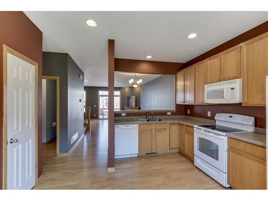 5206 Scott Lane, Robbinsdale, MN - USA (photo 3)