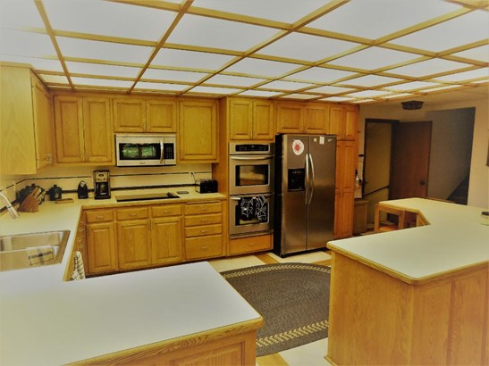 816 Westview Drive, Shoreview, MN - USA (photo 2)