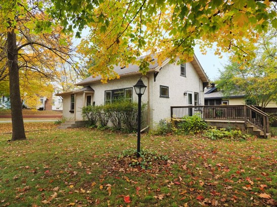 422 Ardmore Drive, Golden Valley, MN - USA (photo 1)