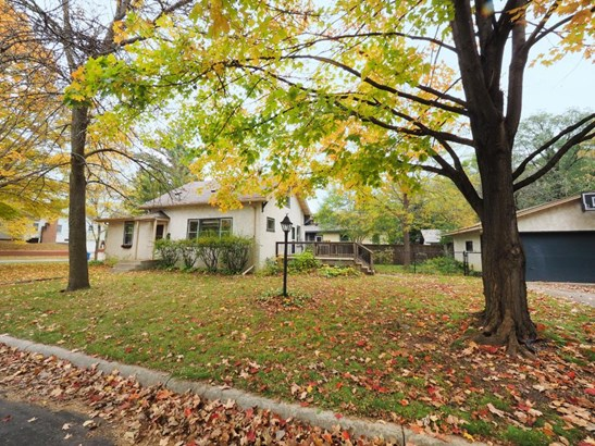 422 Ardmore Drive, Golden Valley, MN - USA (photo 2)