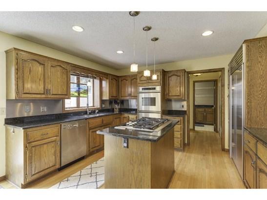 160 White Oaks Lane, Vadnais Heights, MN - USA (photo 2)