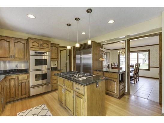 160 White Oaks Lane, Vadnais Heights, MN - USA (photo 3)