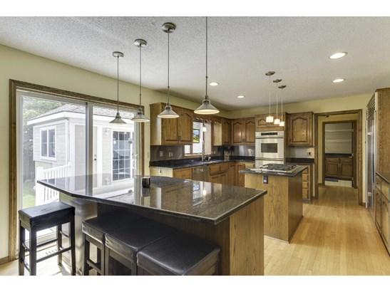 160 White Oaks Lane, Vadnais Heights, MN - USA (photo 4)