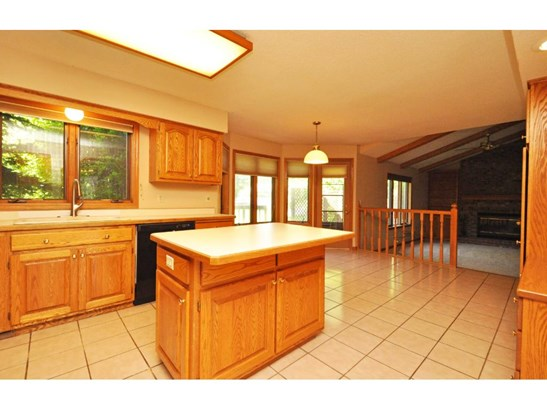 2270 Copperfield Drive, Mendota Heights, MN - USA (photo 3)