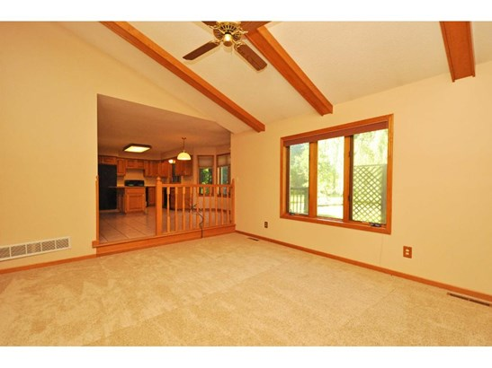 2270 Copperfield Drive, Mendota Heights, MN - USA (photo 4)
