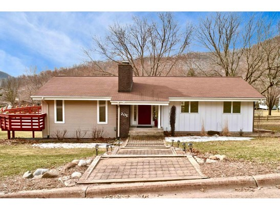 201 Pleasant Hill Drive, Winona, MN - USA (photo 1)