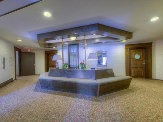 4350 Brookside Court #110, Edina, MN - USA (photo 2)