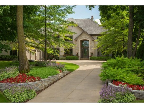 18230 Bearpath Trail, Eden Prairie, MN - USA (photo 2)