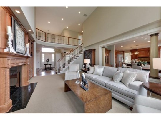 18230 Bearpath Trail, Eden Prairie, MN - USA (photo 4)