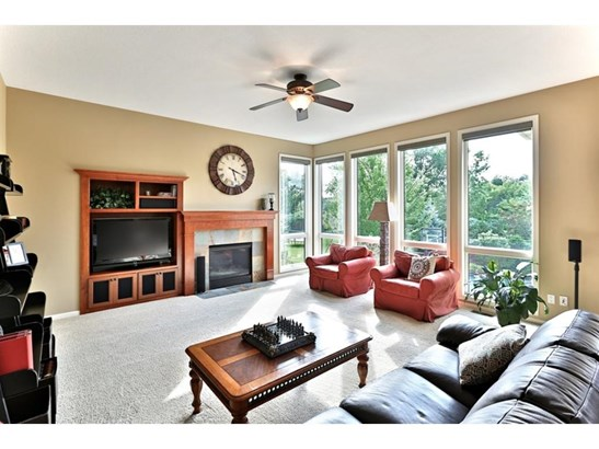 9924 Trails End Road, Chanhassen, MN - USA (photo 4)