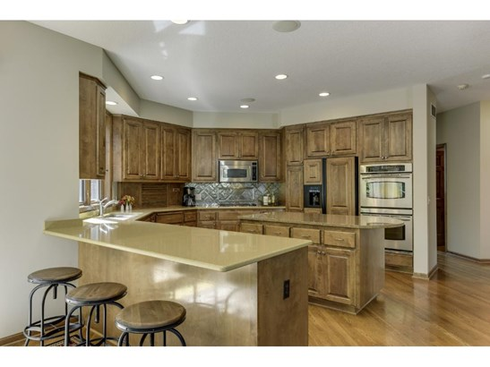 9704 Laforet Drive, Eden Prairie, MN - USA (photo 5)