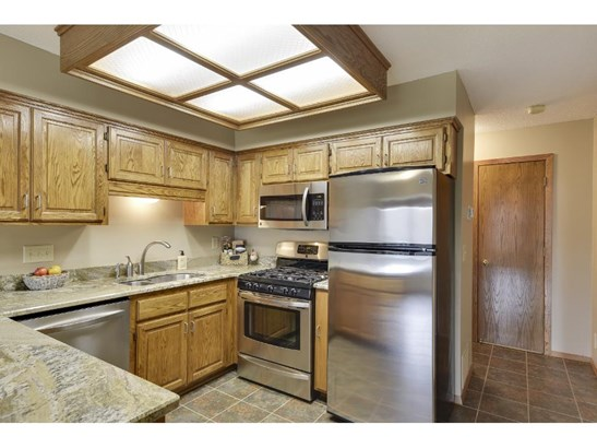 1316 Sunview Drive, Shoreview, MN - USA (photo 5)