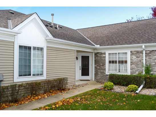 1818 Stone Meadow Boulevard, Shakopee, MN - USA (photo 2)
