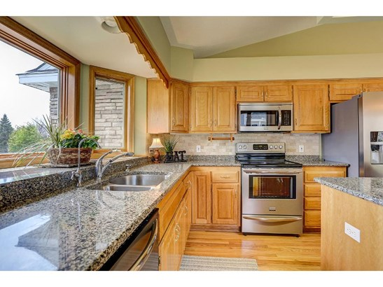 1054 Westcliff Court, Shoreview, MN - USA (photo 5)