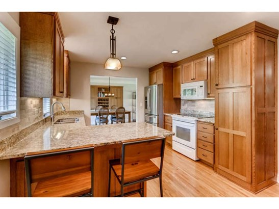 411 Kingsview Lane N, Plymouth, MN - USA (photo 5)