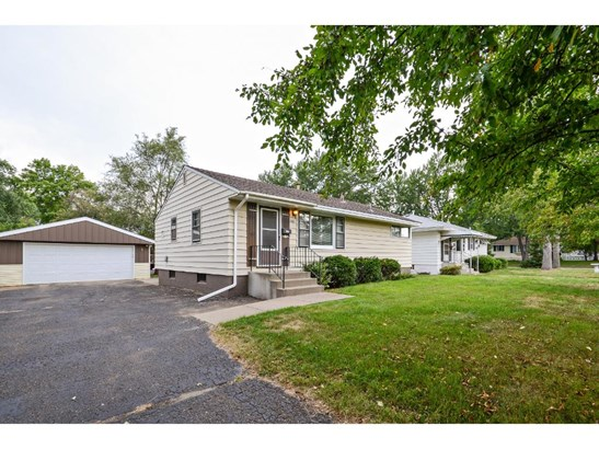 5845 Hampshire Avenue N, Crystal, MN - USA (photo 2)